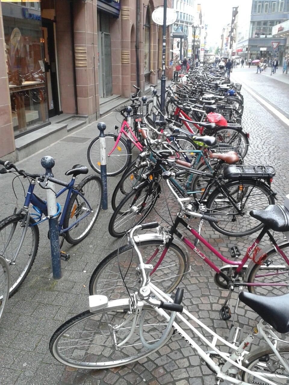 GfK fordert Fahrradparkplatzkonzept